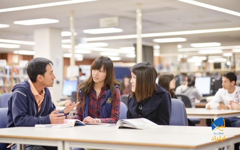 دورههای آموزش زبان در کشور استرالیا بسیار متنوع است و زبانآموزان این امکان را دارند که در میان دورههای مختلف دورهی آموزشی مورد نیاز خود را انتخاب کنند.