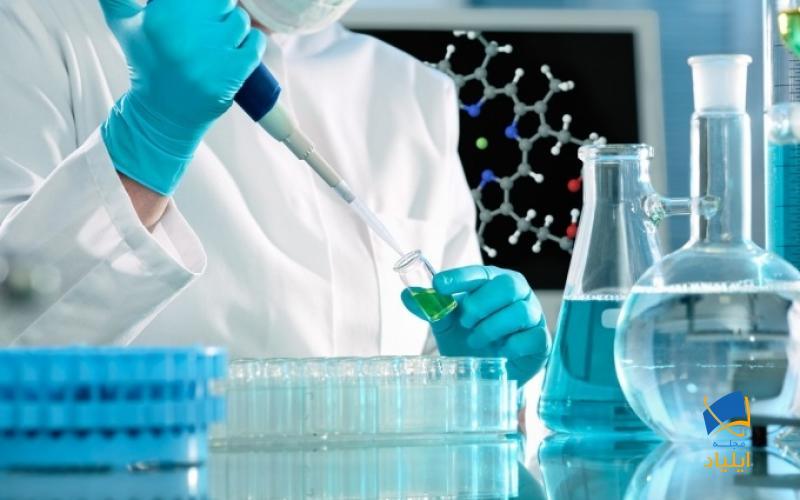 بخش زیادی از علم بیوشیمی به مطالعهی ساختارها، عملکردها و برهم کنشهای زیستی نظیر پروتئینها، نوکلئیکاسیدها، کربوهیدراتها و لیپیدها میپردازد.