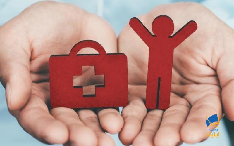 خدمات درمانی درکشور کانادا به صورت رایگان در اختیار شهروندان و افرادی که از اقامت دائم این کشور برخوردارند قرار میگیرد به همین دلیل تمام دانشجویان بین المللی که به قصد تحصیل به این کشور مهاجرت میکنند باید در طول مدت تحصیل تحت پوشش بیمهی خدمات درمانی قرار بگیرند.