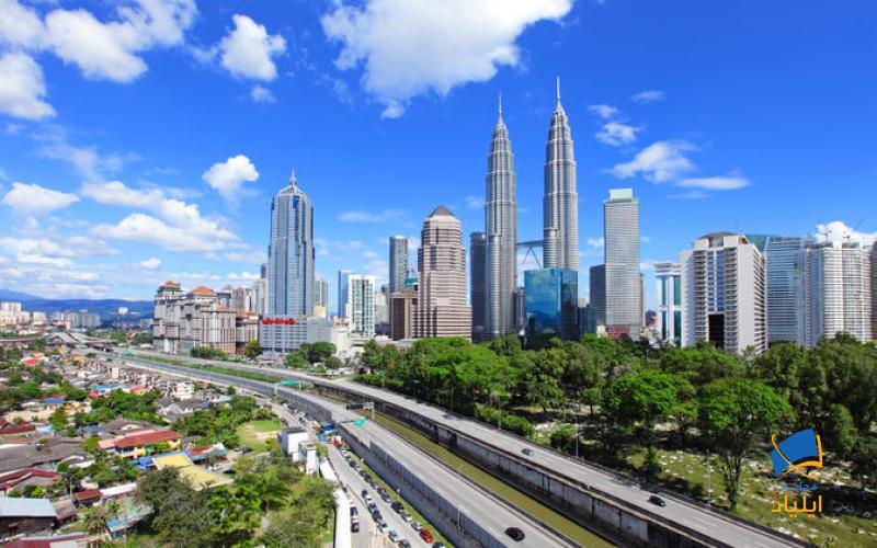 ترکیب مسالمتآمیز و هماهنگی از اقوام، ادیان و زبانهای مختلف در کنار یکدیگر در کشور مالزی این کشور را به یکی از جذابترین کشورهای توریستی جهان تبدیل کرده است.